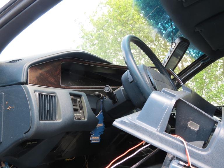 Hood hinge area rust issues 93rmw2